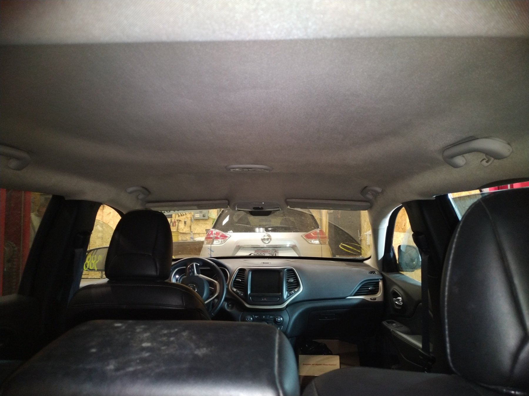 перетяжка потолка в машине